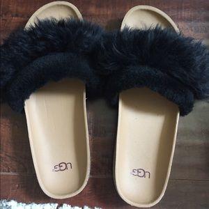 Authentic UGG fur Diane slides